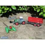 Traktor s přívěsem meřítko 1:28